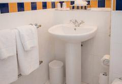 bathroom-thumb.jpg